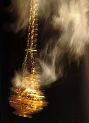 http://www.traditioninaction.org/religious/religiousimages/D012_Incense039.jpg