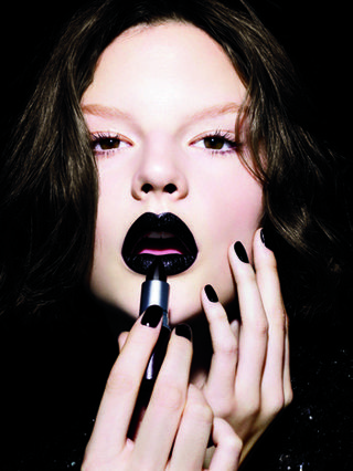 face black lips