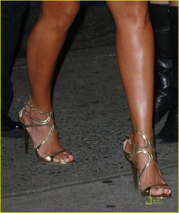 Amber Rose goes monochromatic down to her toes - BSB: Beauty news, makeup swatches and pictures ...