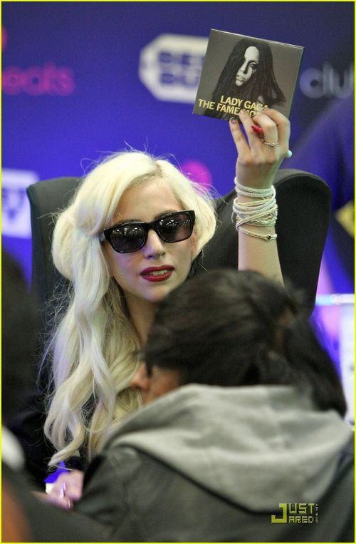 Lady-gaga-the-fame-monster-15