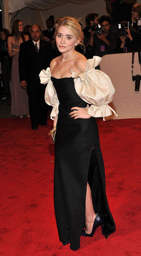 Mary-kate-or-ashley-olsen-met-ball-2011