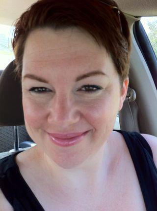 Summer-makeup-look-bobbi-brown-tinted-moisturizer-pink-cheeks-teal-eyes