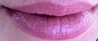 Summer-makeup-look-bobbi-brown-lilac-rich-color-lipstick-bellini-gloss